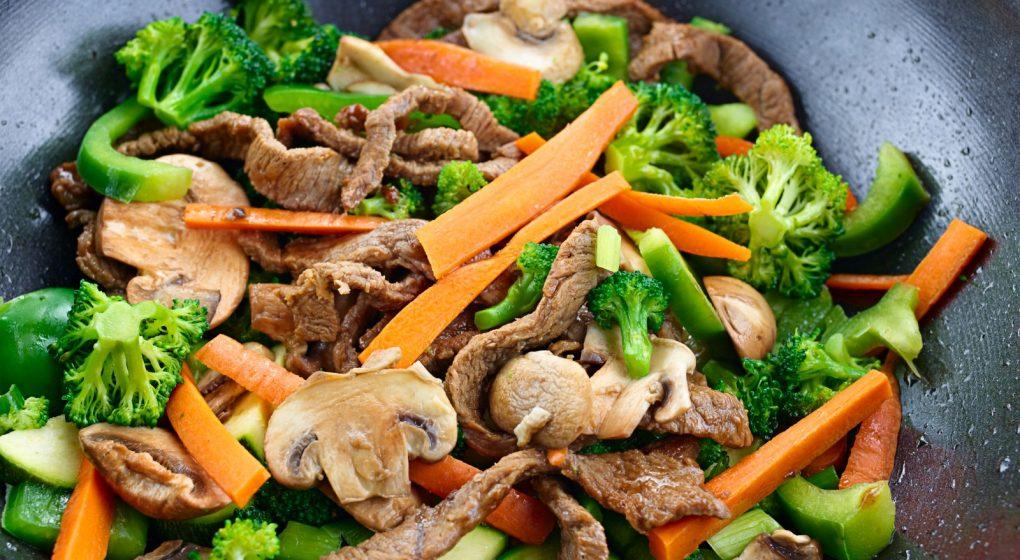 Stir Fry Gemüse gusseiserne Wok Pfanne