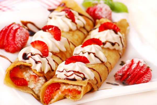 pfannkuchen in gusseisernen Pfanne